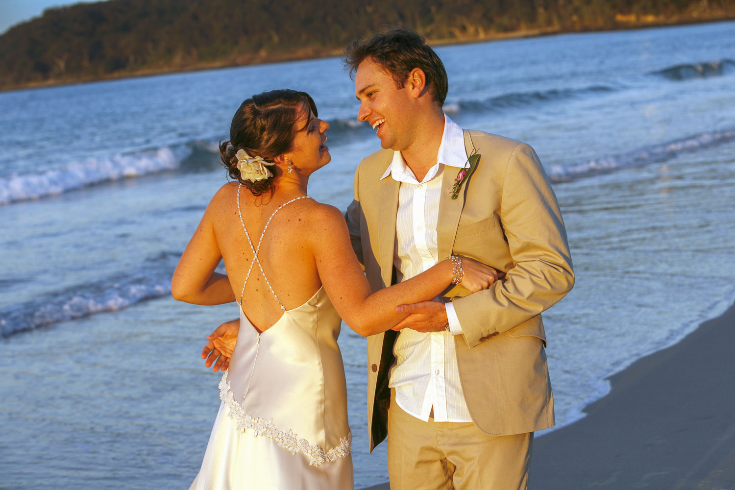 noosa wedding couple on the beach