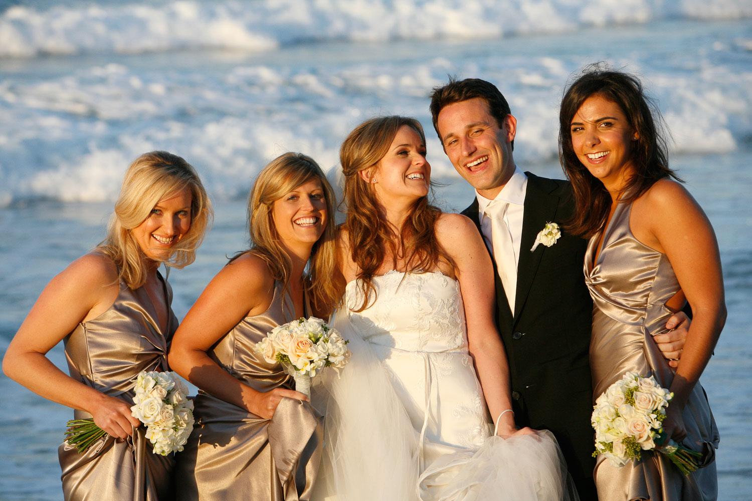 bridal party bride and groom with brides maids noosa heads